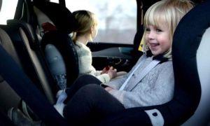 Правила перевозки детей в автомобиле по ПДД с 2020 года: на переднем и заднем сидении