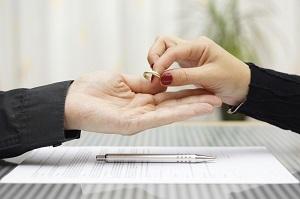 Развод при беременности жены в 2020 году: расторжение брака по инициативе жены и мужа