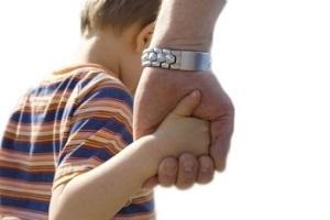 Ограничение и лишение родительских прав: в чем разница, сравнительная таблица отличий