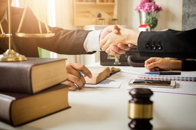 Можно ли выписать человека без его присутствия в 2020 году: документы и порядок