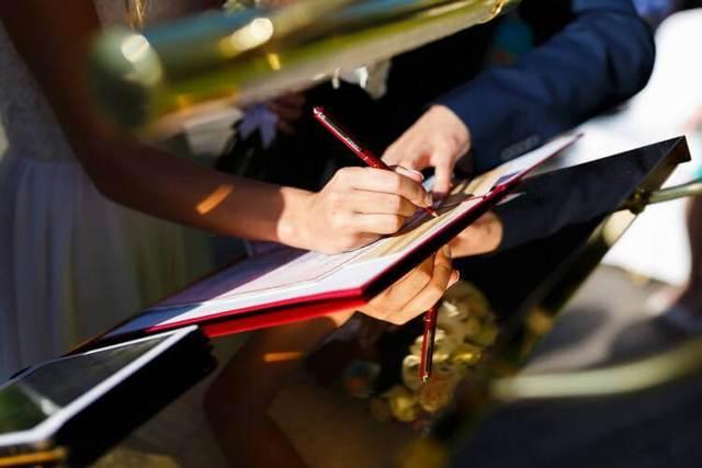 Дополнительное соглашение к договору: образец, продление, расторжение,