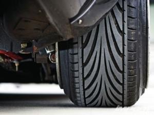 Можно ли ставить разные шины на разные оси по ПДД в 2020 году? Разрешается ли устанавливать?