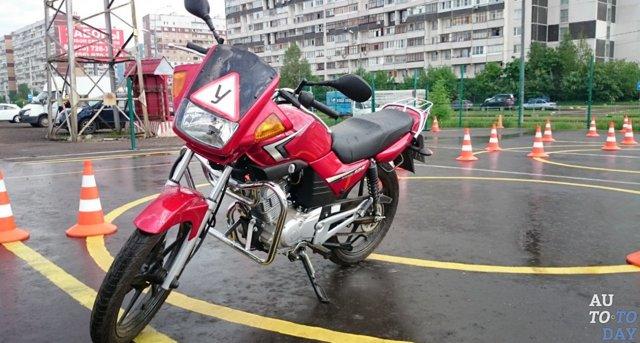 Нужны ли права на скутер до 50 кубов в 2020 году в России
