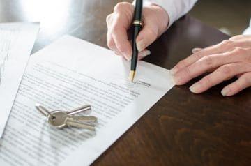 Налог на дарении квартиры для физических лиц в 2020 году: когда и сколько платится?