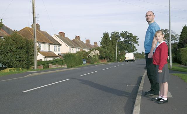 Штраф за переход дороги в неположенном месте в 2020 году: сколько