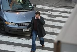 По какой стороне дороги должен идти пешеход по ПДД? Правила 2020 года