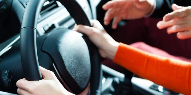 Со скольки лет можно сдавать на права на машину в 2020 году по новому закону