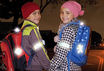 Светоотражающие элементы для пешеходов и детей в 2020 году: правила, требования