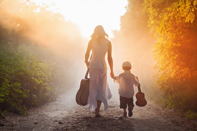 С кем остаются несовершеннолетние дети при разводе родителей? Места проживания ребенка в 2020 году