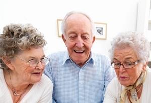 Как оформить опекунство над недееспособным пожилым человеком в 2020 году?