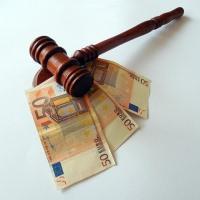 Как оформить завещание на квартиры у нотариуса в 2020 году: документы, сколько стоит, процедура