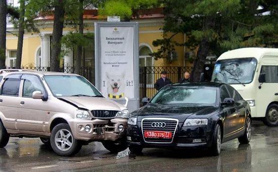 Красные номера на машине в России: что означает в 2017 году