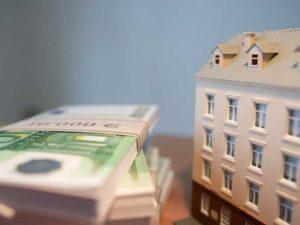 Сколько стоит оформить дарственную на квартиру у нотариуса в 2020 году и самостоятельно?