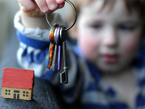 Как продать долю в квартире в 2020 году: другому собственнику, несовершеннолетнего