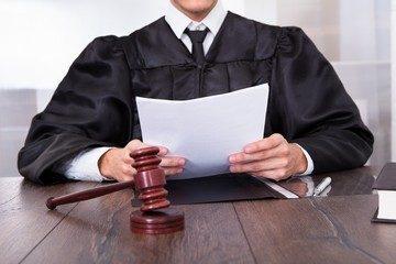 Лишение матери родительских прав: основания и документы в 2020 году
